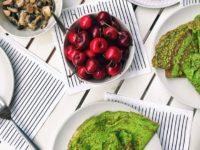 Как приготовить зеленые блины: 5 необычных рецептов для поклонников ЗОЖ