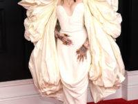 Самый яркий выход «Грэмми-2021»: Ноа Сайрус в роскошном платье с крыльями Schiaparelli