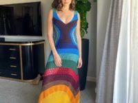 Этой весной нам всем нужно вязаное платье, как у Галь Гадот