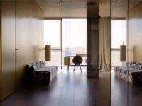 Golden time: квартира с панорамными окнами в Москве