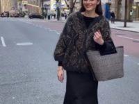 Кардиган вместо куртки: Оливия Палермо показывает небанальные сочетания