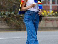 Карли Клосс демонстрирует модельную фигуру спустя месяц после родов. Все дело в правильных джинсах!