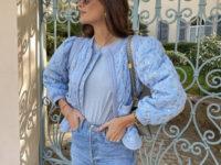 Нежно-голубой бомбер, который станет главным украшением вашего весеннего гардероба. Где такой найти, знает Жюли Феррери