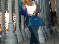 Почти Мальвина: Карди Би покрасила волосы в голубой цвет, в тон новой сумки Birkin