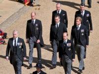 Разделительная полоса: первые фото принца Уильяма и Гарри на похоронах дедушки