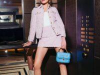 Сапоги-казаки и розовая мини-юбка: смелый весенний образ Натальи Водяновой