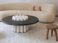 Табурет в гостиной: 25 примеров