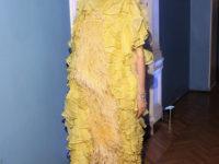 Желтое платье, достойное «Оскара»: Алеся Кафельникова в шедевре из шелковой органзы и перьев