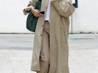 Идеальный тренч, который навсегда останется классикой и не выйдет из моды— показывает Хейли Бибер