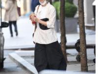 Носите широкие, очень широкие, просто огромные брюки пока в отношениях «все сложно». Как это делает Кэти Холмс