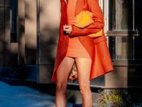 Новый образ Хейли Бибер, из-за которого вы захотите носить только оранжевый цвет