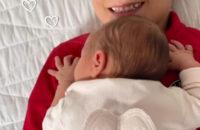 Супермодель Каролина Куркова вновь стала мамой и назвала дочь в честь розового Суперлуния