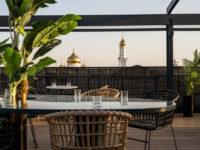 Бар с панорамными видами на крыше отеля в Ростове-на-Дону