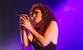Лорд назвала дату выхода альбома «Solar Power» и анонсировала мировое турне