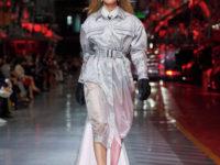 Наталья Водянова закрыла первый показ одежды Ferrari. Кто из супермоделей его открывал?