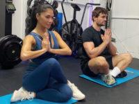 Парные тренировки: 4 идеи занятий для вас и вашего партнера на самоизоляции