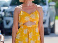Шляпа-ведро и платье с кроссовкам: Иванка Трамп кардинально меняет свой гардероб