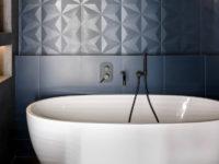 Синий цвет в ванной комнате: 25+ идей
