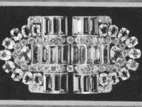 История одного украшения: сет из двух брошей Boucheron, принадлежащий королеве Елизавете II