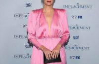Платье из розового шелка, которое смотрится удачно в любом размере: демонстрирует Сара Полсон