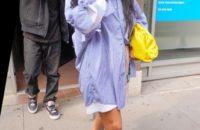 Ультрадлинная рубашка и очень короткие шорты: простые уроки стиля от Рианны