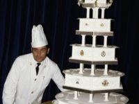 Кусок свадебного торта принца Чарльза и принцессы Дианы выставлен на продажу. Стартовая цена 40-летнего угощения— 50 000 рублей