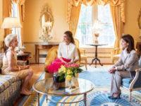 Сильно красивая: королева Рания сходит с ума по розовому цвету во время своего визита в США